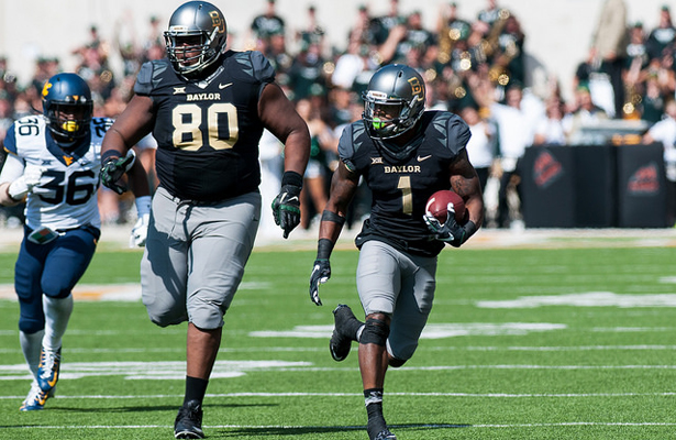 With Baylor TE LaQuan McGowan paving the way, the Bears should score lots of points. Photo Courtesy: Matthew Lynch