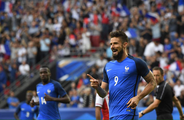 Olivier Giroud ended up with a hat trick against Paraguay. Photo Courtesy: Chris Wheatley Twitter Account