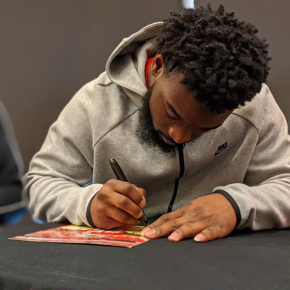 Damien-Williams-signing