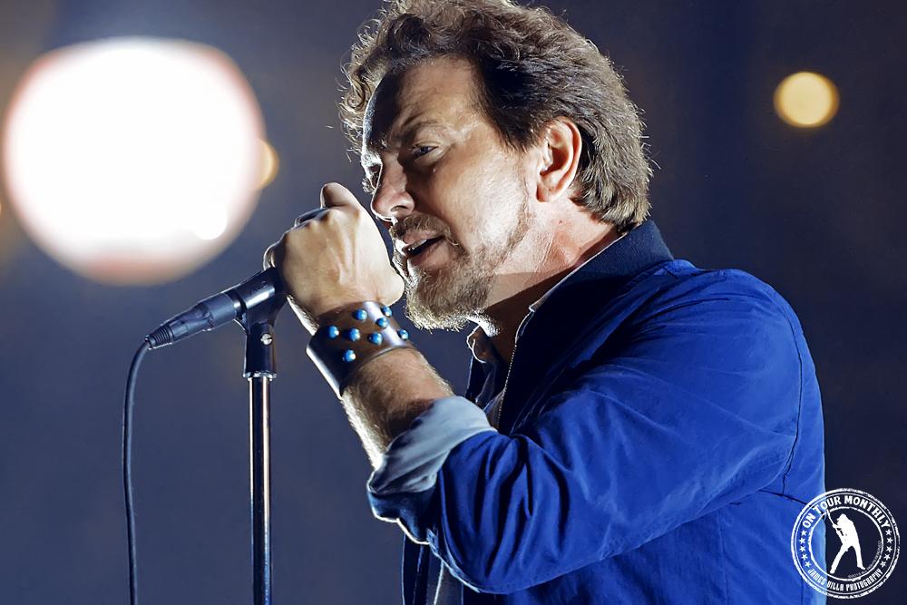 Eddie Vedder - Pearl Jam (Chesapeake Arena - Oklahoma City, OK) 11/16/13 // James Villa Photography
