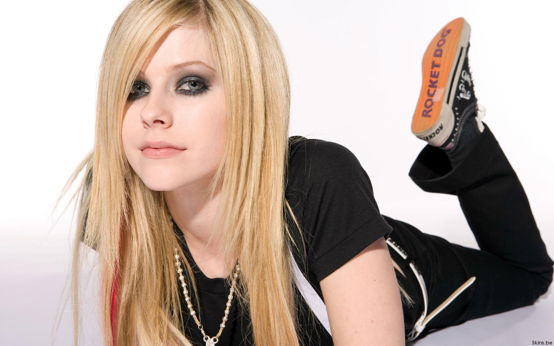 Avril Lavigne - Rocket Dog