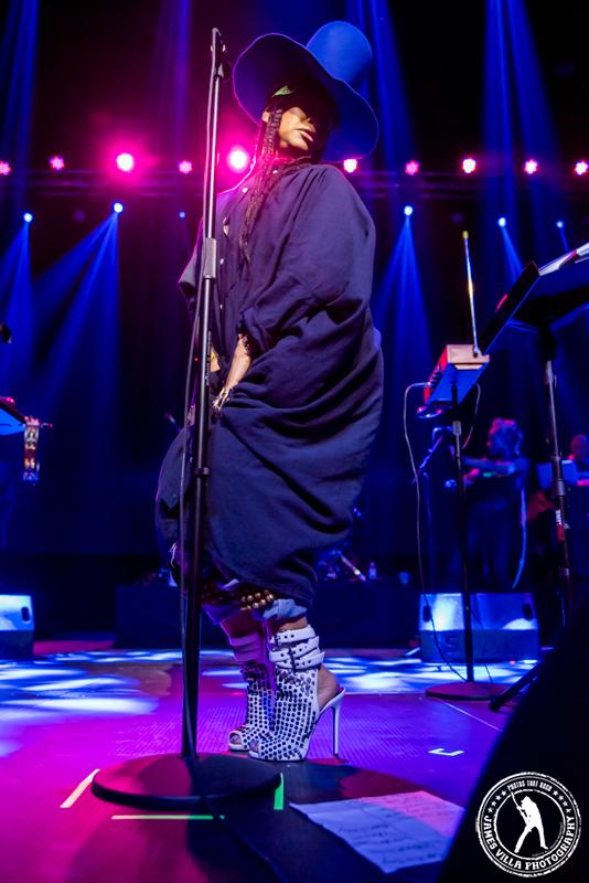 Erykah Badu (The Bomb Factory - Dallas, TX) 3/26/15