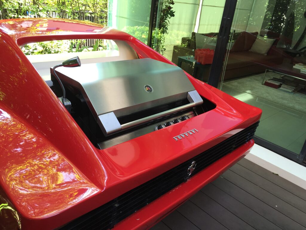 Barbecue In All | Amelie Outdoor kitchen BBQ grill customized in Ferrari