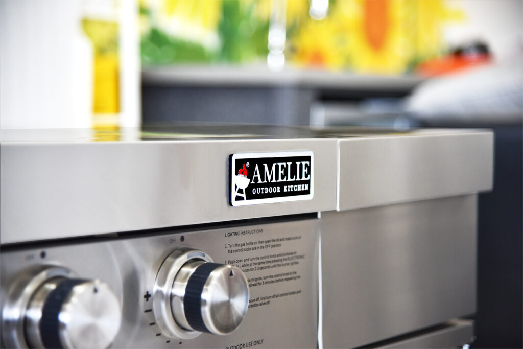 Barbecue In All | Amelie outdoor kitchen BBQ grill with logodge