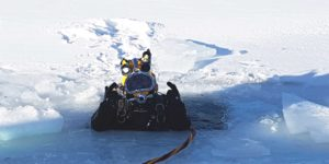 commercial dive services by Pan Dakota - diving in winter