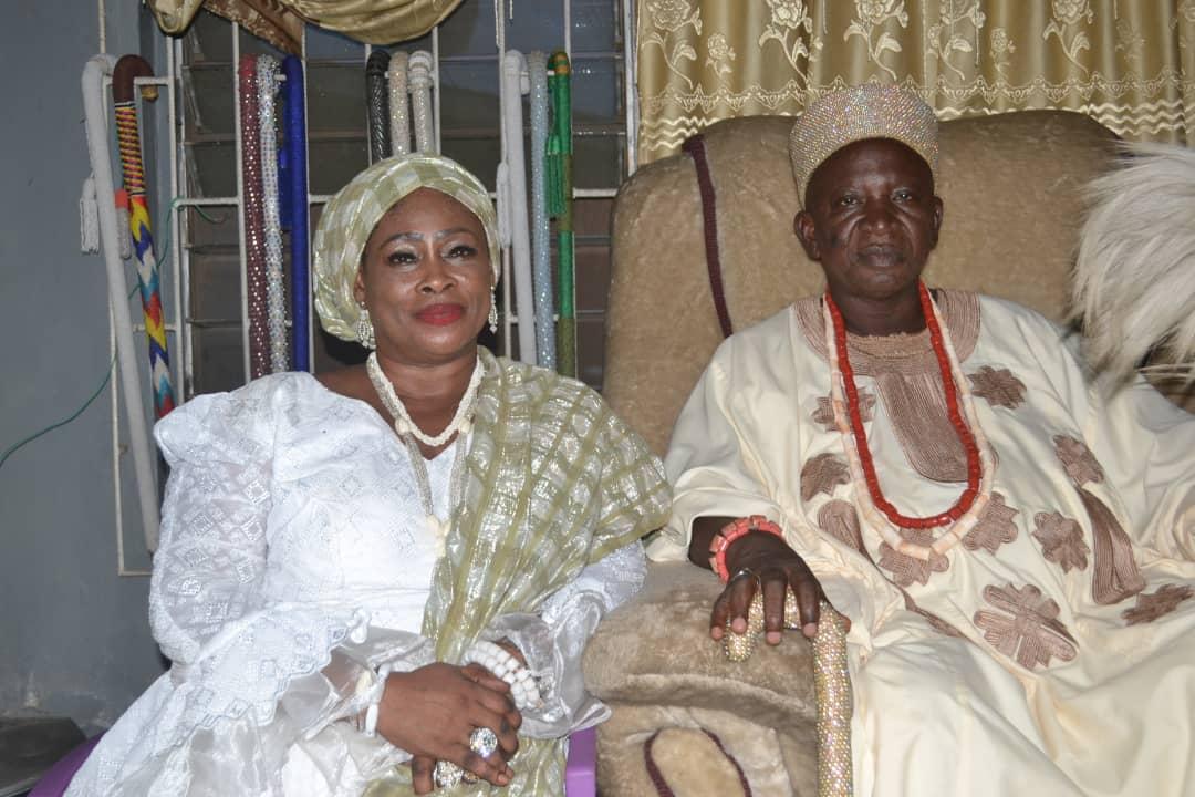 Oba Oloyere of Oyere with YeyeAsa of lyanfoworogi