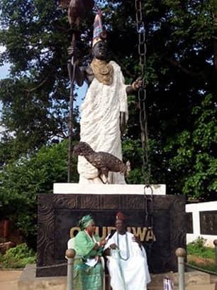 Yeyeasa and Olori gbogbo Isoro ile-ife.