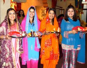 Karwa Chauth Four ladies holding talis