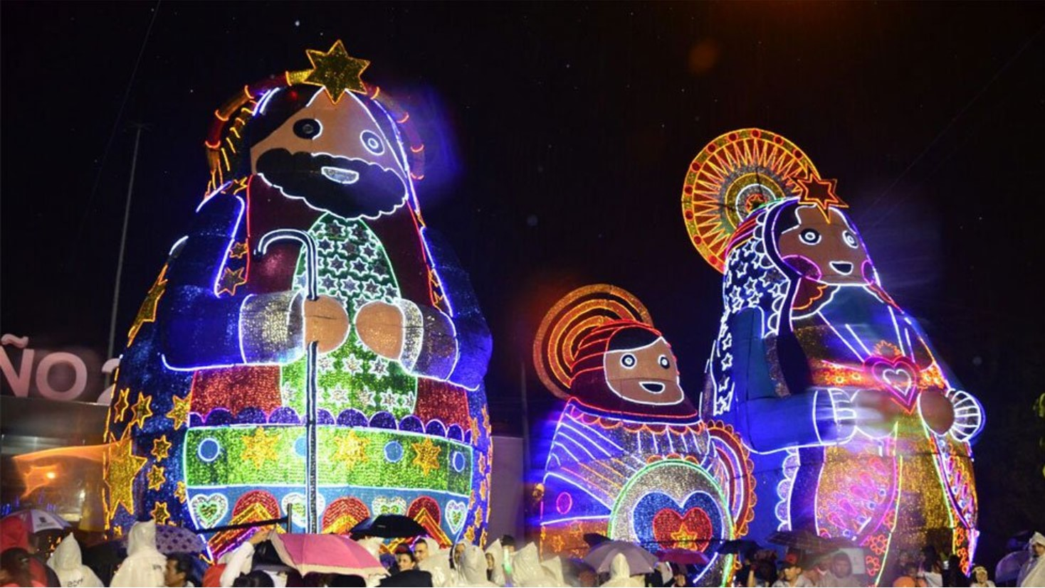 COLOMBIAN STREET FOOD & CHRISTMAS LIGHTS: THE PERFECT COMBINATION