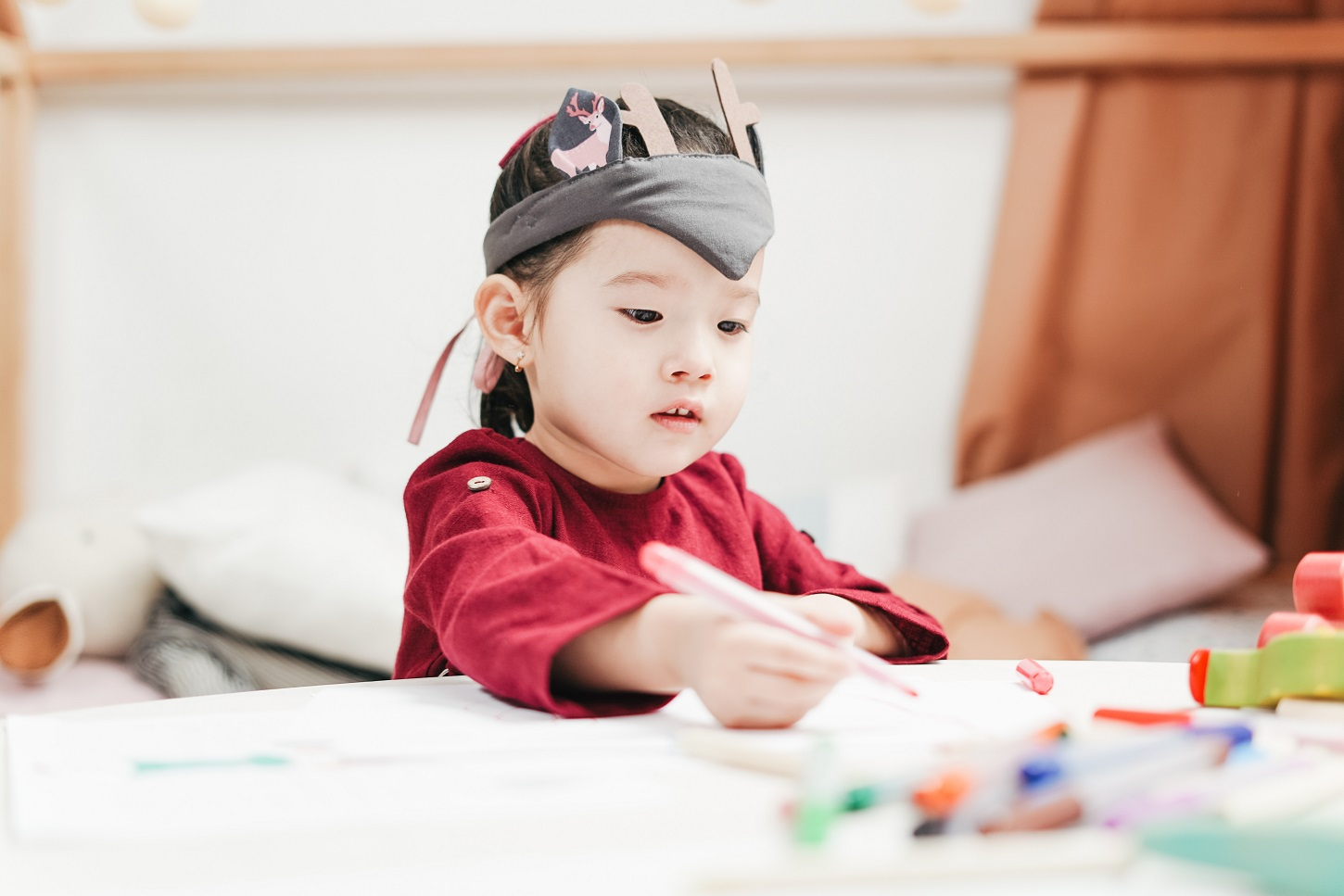 How Working And Stay At Home Moms Handle Child Care