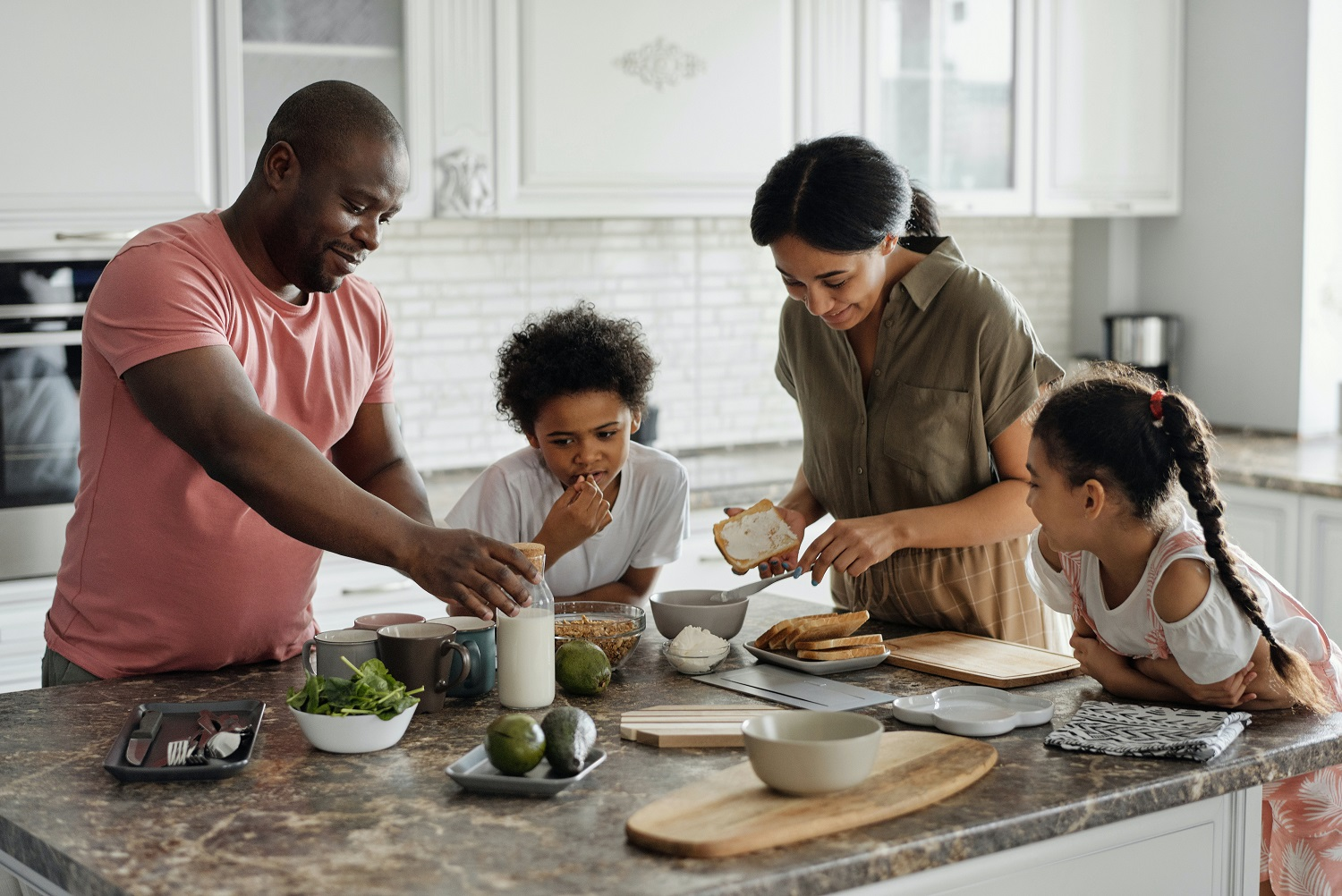 10 tips for getting your kids into the kitchen without increasing your stress!