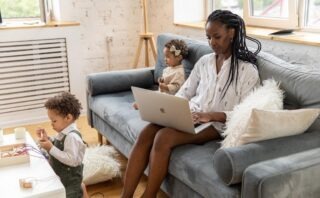 Jaclyn Strauss: My Challenges As a Single Working Mom