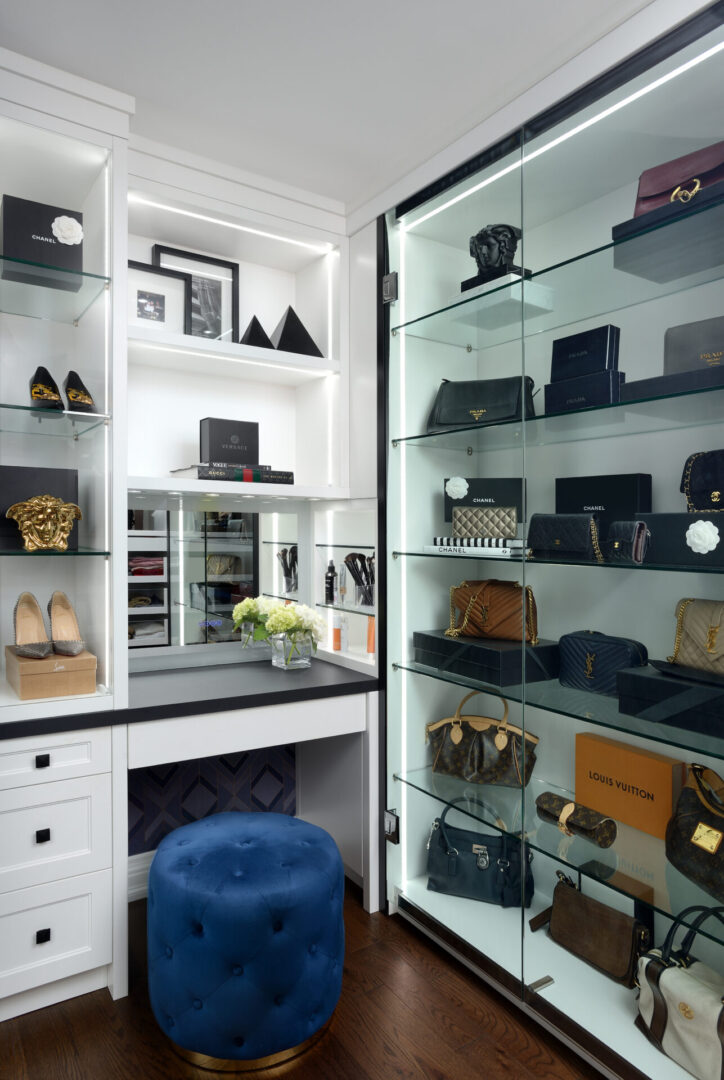 MAPLE RESIDENCE WALK IN CLOSETS (4)