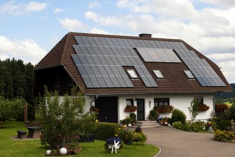 solar-panels-15828331 (1)