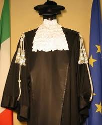 Italian laywer toga