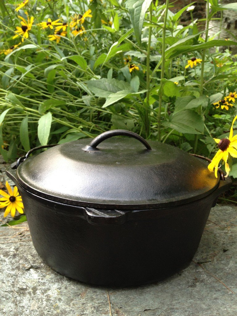 Dutch-Oven-With-Flowers