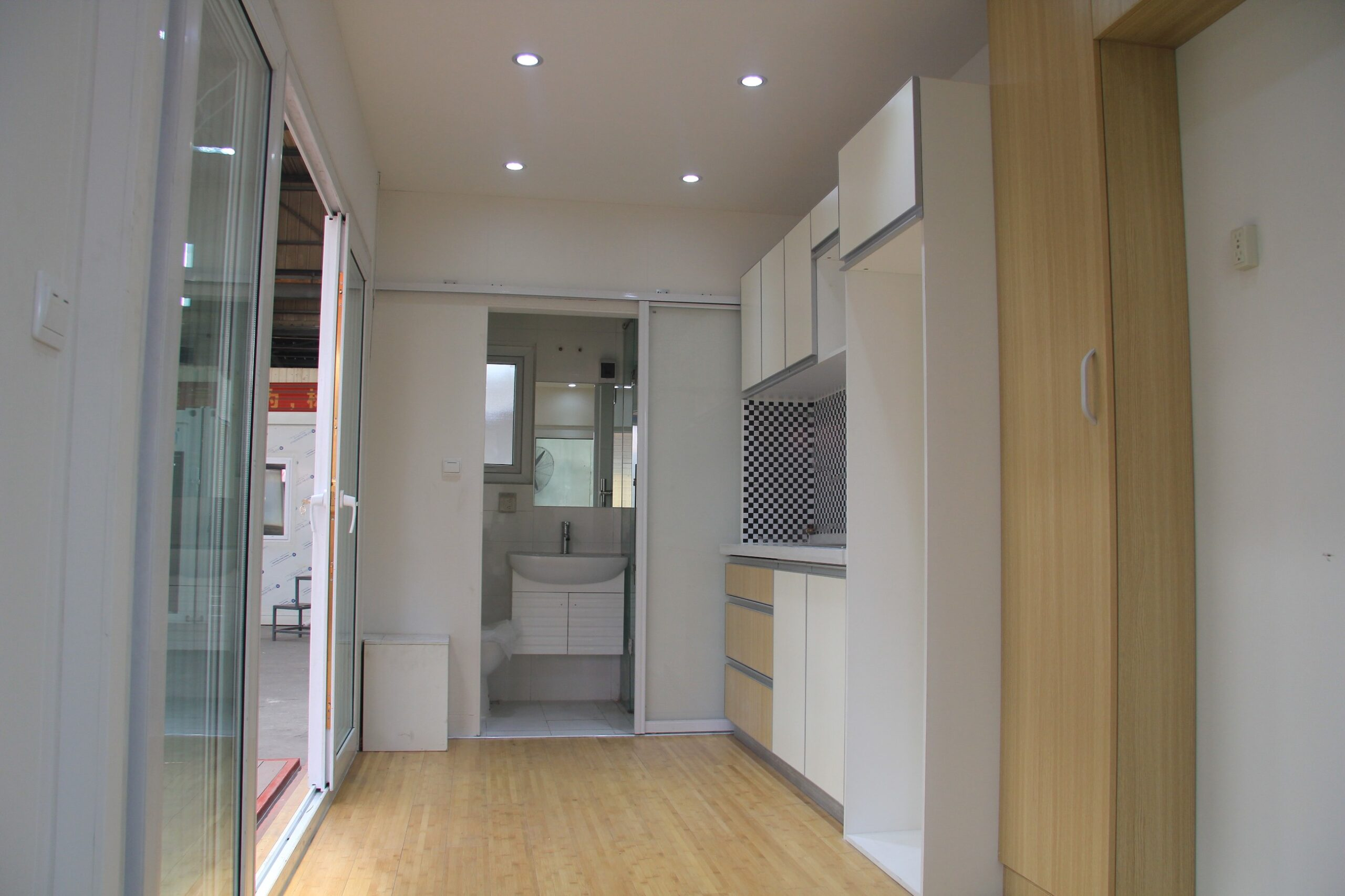 container-home-4-homeless-inside