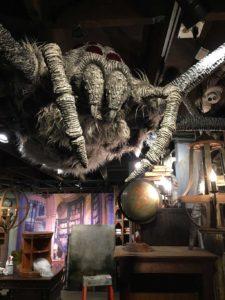Behind the Curtain – Halloween 2018   Hocus Pocus