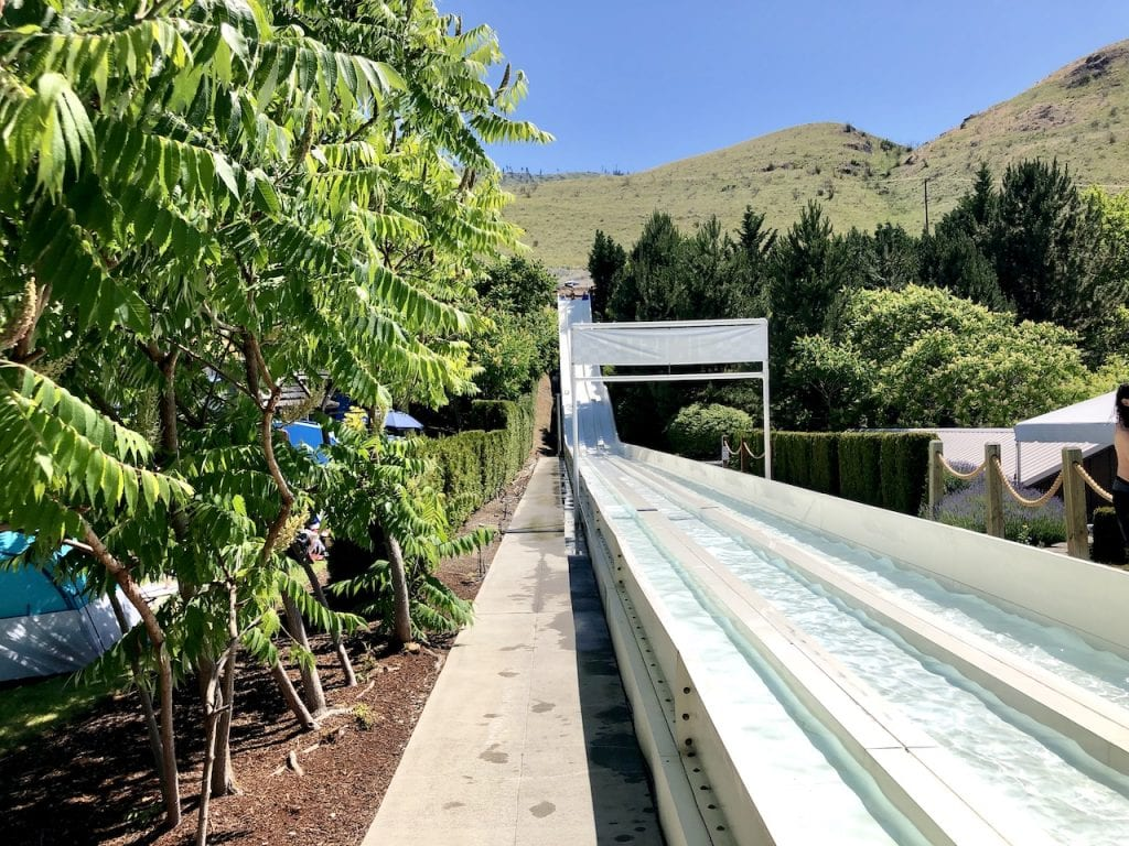 Roadtripping the State of Washington with kids on the Cascade Loop | Traveling with kids | Washington state road trip with kids | Lake Chelan | Cashmere | Leavenworth | Manson | #roadtrip #roadtripwithkids #cascadeloop #washingtonstate #washingtonwinery