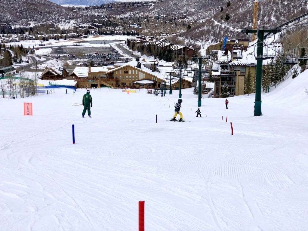 Deer Valley Resort - A Dream Come True For Family Ski | Skiing with kids at Deer Valley | Ski Utah | Family winter vacation to utah | Family ski trip to Utah | Deer Valley luxury family ski | Utah ski | US Travel with kids | #skiutah #deervalley #familytravelblog #luxuryfamilyski #luxuryfamilytravel #utahski #familytravelblog #travelblogger