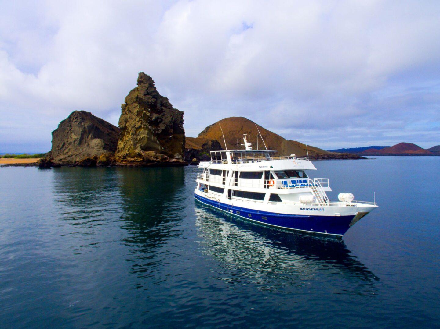 Monserrat-Galapagos-Cruises-Panoramic-Pinacle-