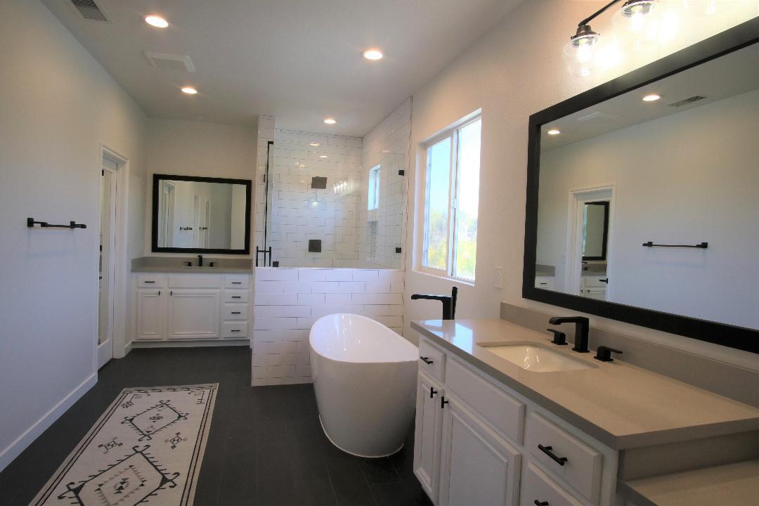 Harkersfullbathroom(lightened)