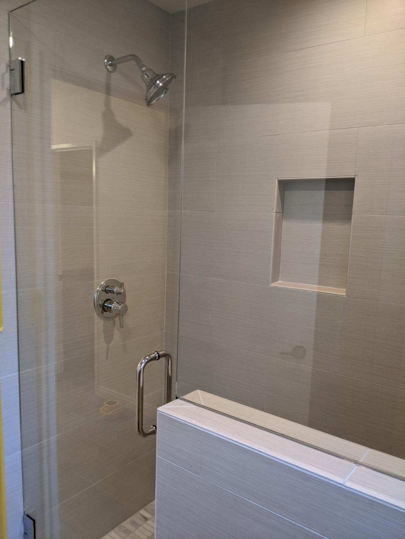 Leadbetterbathroomshower2