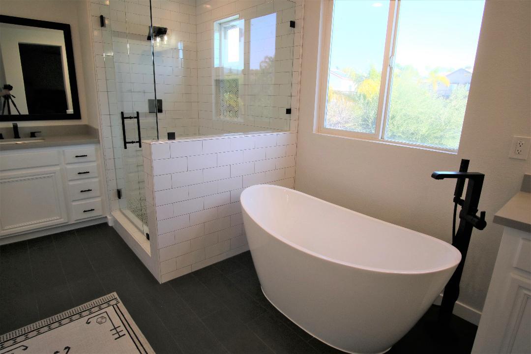 harkersbathroomtub(lightened)
