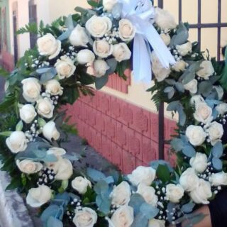 Corona fúnebre de condolencias