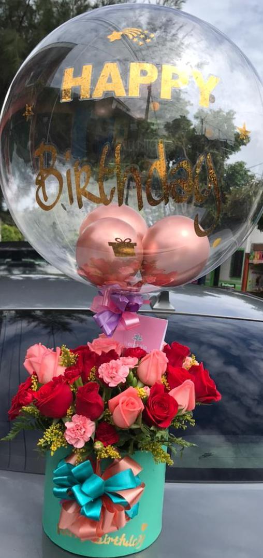 Arreglo con rosas para cumpleaños