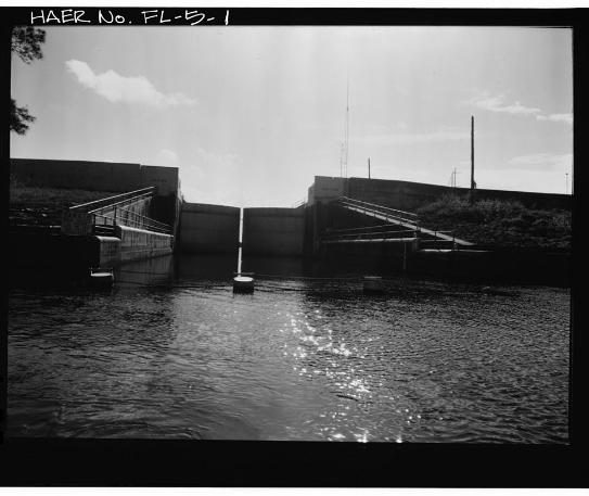 Hurricane Gate Structure 4