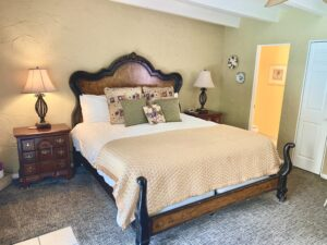 The king bed in suite 8