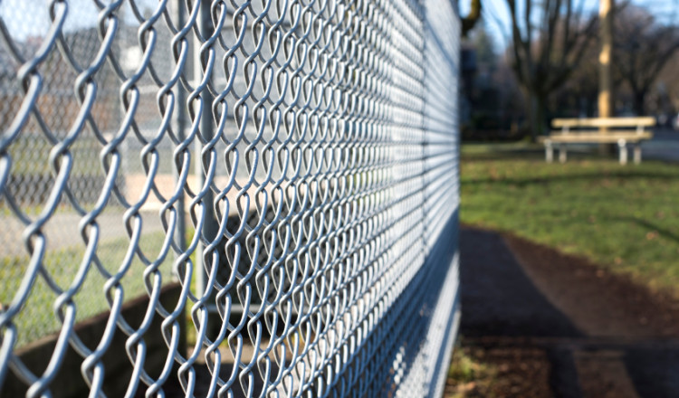 chain-link fence contractors