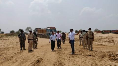 Bhojpur-DM-inspecting.jpg