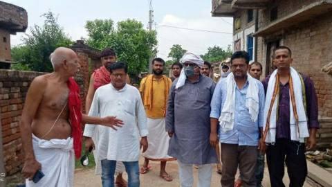 शहीद कुंदन कुमार ओझा के पैतृक गांव में पसरा सन्नाटा