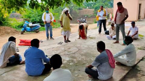 कुंडवा शिव मंदिर के प्रांगण में हुई डीलर संघ की बैठक