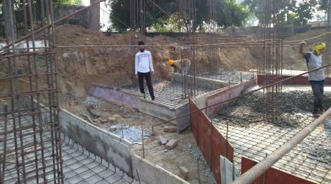 भोजपुर-चोरी की बिजली से बन रहा शाहपुर रेफरल अस्पताल का भवन