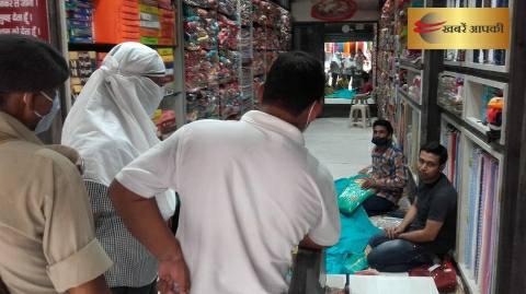 शाहपुर बीडीओ ने लापरवाह 16 दुकानदारों पर लगाया जुर्माना