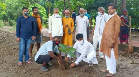 जदयू महानगर अध्यक्ष के नेतृत्व में किया गया वृक्षारोपण