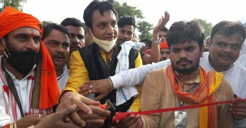 Shahpur-football-Rakesh-ojha-man