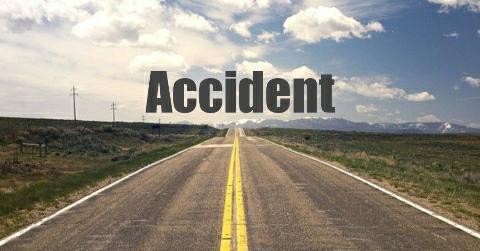 Isadhi-Dulheenganj-Accident-इसाढ़ी-दुल्हीनगंज गांव के बीच सड़क दुर्घटना में बाइक सवार तीन जख्मी