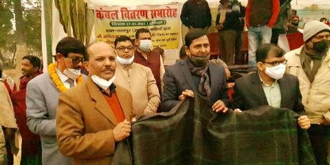 Ratanpur - blanket distribution among poor and helpless people