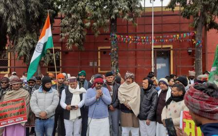UPA alliance created a human chain
