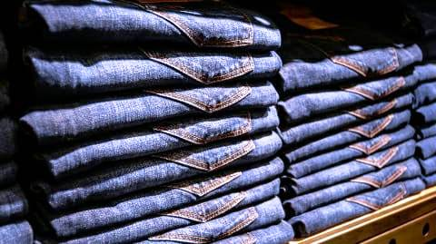 Duplicate jeans being sold in branded company in Ara city