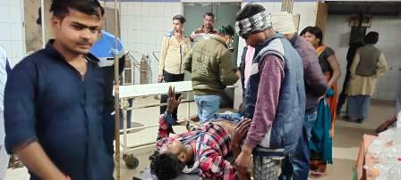 banakat-gadhani-uncontrolled-tractor-overturns-driver-injured