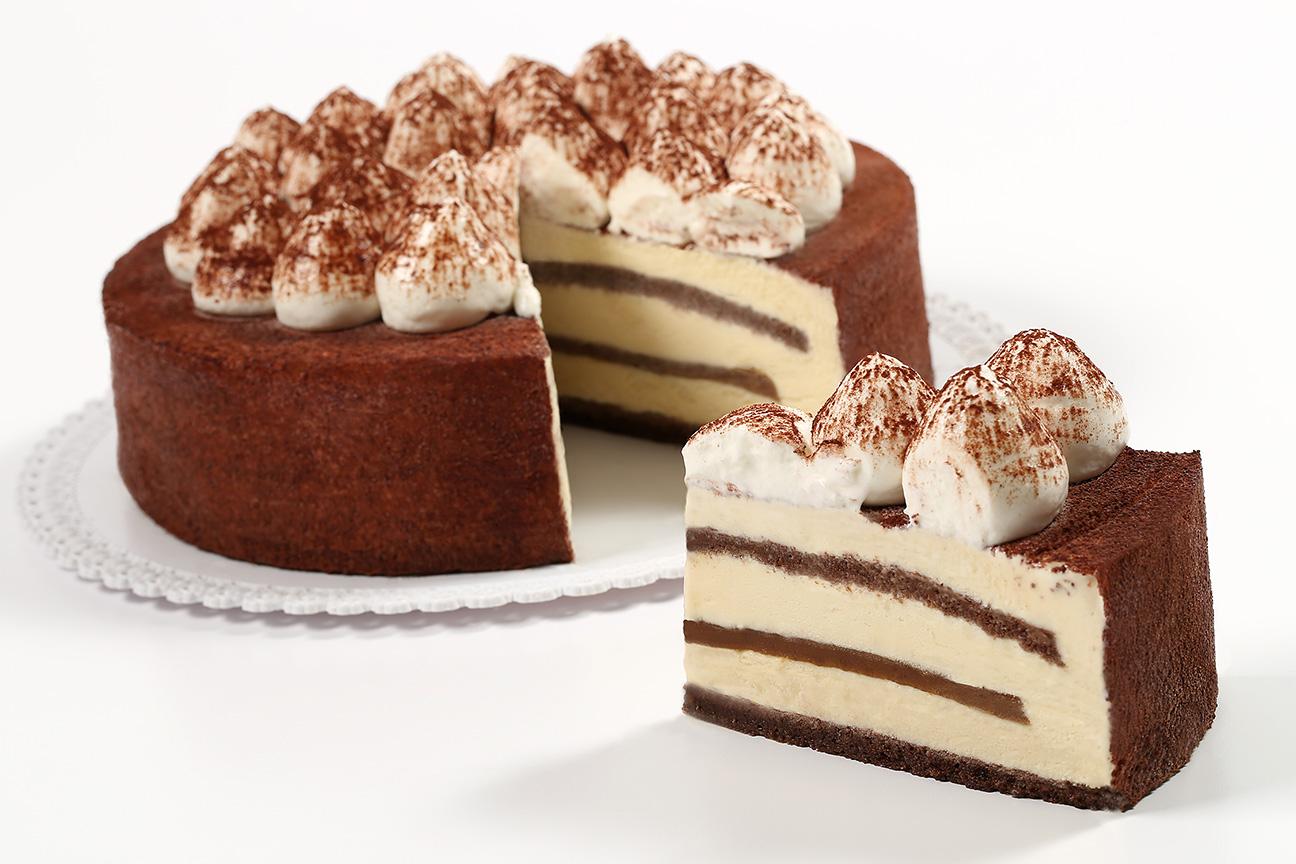 WEB_12x18_72dpi_Gelato Cake Tiramisu Cut_8876
