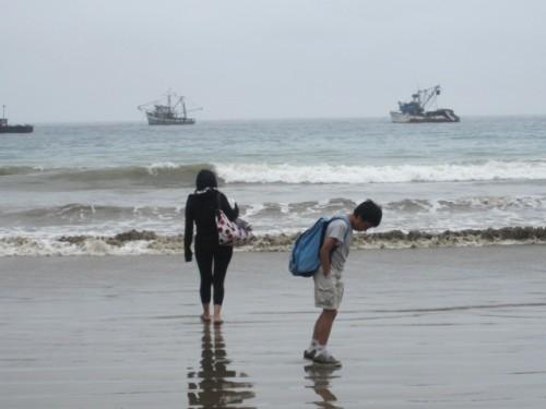 puerto lopez ecuador beach
