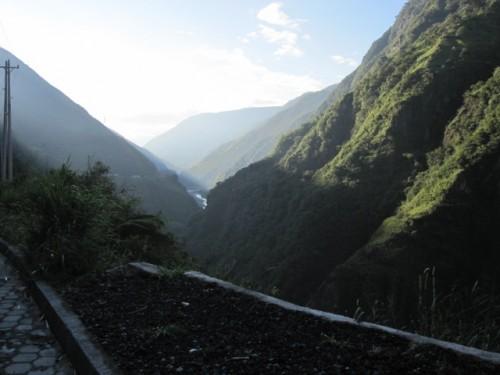 banos-ecuador-travel-facts