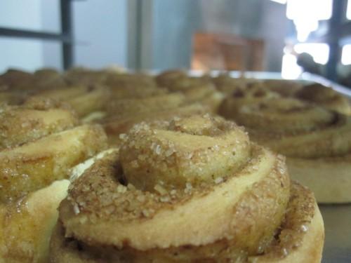 cinnamon-rolls-ecuador-magnolia-cafe