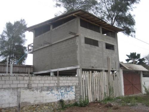 building in ecuador